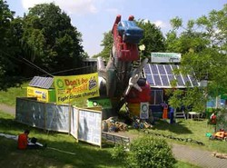 1311 Greenpeace bei der Renewables 2004